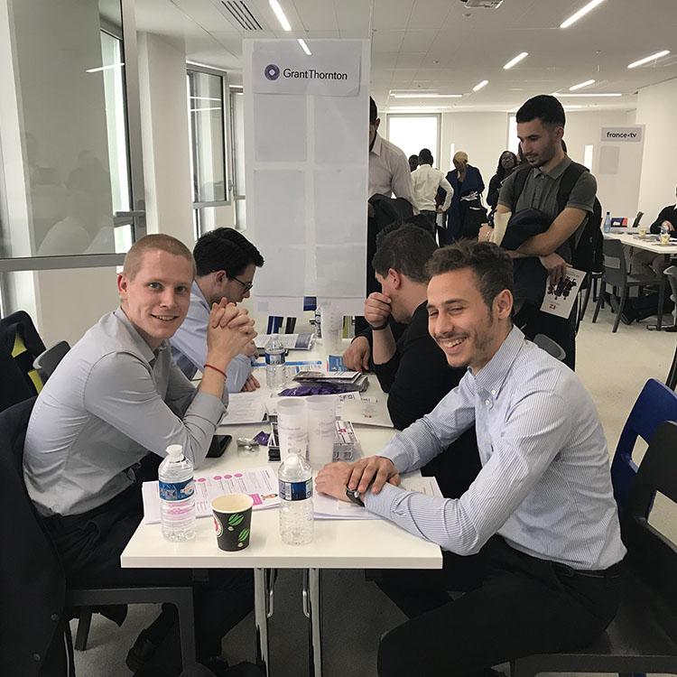 Apprentissage : une aide de 8000€ pour les entreprises qui intègrent des apprentis